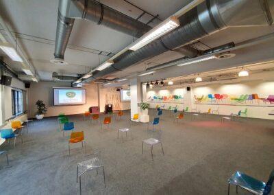 Vergaderzaal-Saal1-seats2meetstrijps